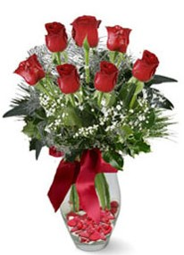 Kocaeli hediye sevgilime hediye çiçek  7 adet kirmizi gül cam vazo yada mika vazoda