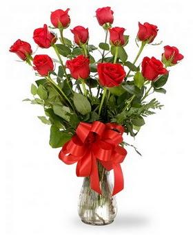 Kocaeli çiçek siparişi vermek  12 adet kırmızı güllerden vazo tanzimi