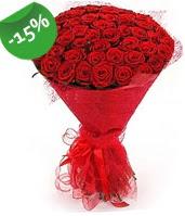 51 adet kırmızı gül buketi özel hissedenlere  Kocaeli uluslararası çiçek gönderme