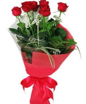 5 adet kırmızı gülden buket  çiçek gönderme