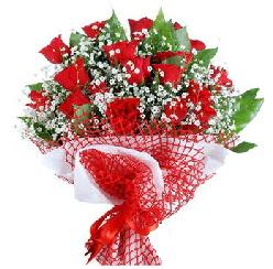 11 kırmızı gülden buket  yurtiçi ve yurtdışı çiçek siparişi
