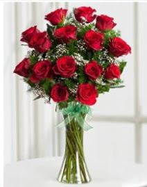 Cam vazo içerisinde 11 kırmızı gül vazosu  Kocaeli online çiçekçi , çiçek siparişi