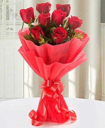 9 adet kırmızı gülden modern buket  hediye çiçek yolla