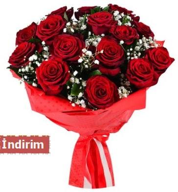 12 Adet kırmızı aşk gülleri  Kocaeli internetten çiçek siparişi