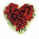 kalp biçiminde 15 gülden   çiçekçi telefonları