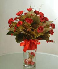yapay güllerden vazo  9 gül  Kocaeli güvenli kaliteli hızlı çiçek