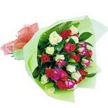 12 adet renkli gül buketi   Kocaeli çiçekçi mağazası