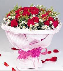 14 şubat sevgililer günü çiçek  12 ADET KIRMIZI GÜL BUKETI