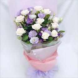 14 şubat sevgililer günü çiçek  BEYAZ GÜLLER VE KIR ÇIÇEKLERIS BUKETI
