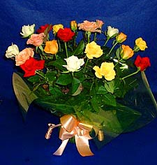Kocaeli cicek , cicekci  13 adet karisik renkli güller