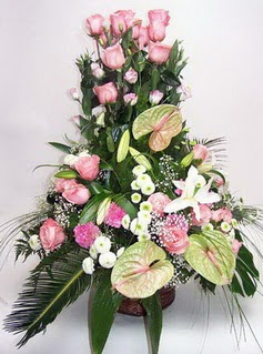 Kocaeli online çiçek gönderme sipariş  özel üstü süper aranjman
