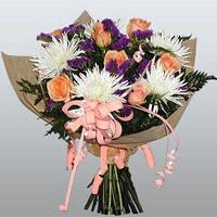 güller ve kir çiçekleri demeti   Kocaeli anneler günü çiçek yolla