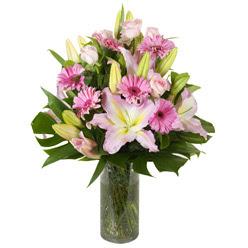 vazo içerisinde karisik mevsim çiçekleri  Kocaeli hediye sevgilime hediye çiçek
