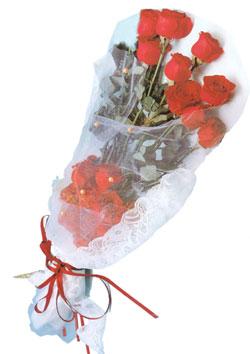 11 adet kirmizi güller buket tanzimi   Kocaeli uluslararası çiçek gönderme