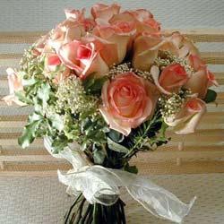 12 adet sonya gül buketi    Kocaeli internetten çiçek satışı