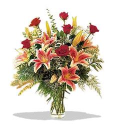 Kocaeli çiçek gönderme sitemiz güvenlidir  Pembe Lilyum ve Gül