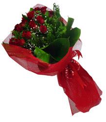 Kocaeli çiçekçi mağazası  10 adet kirmizi gül demeti