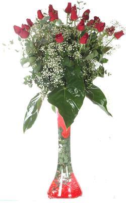 Kocaeli güvenli kaliteli hızlı çiçek  19 ADET GÜL VE FIL CAM AYAGI