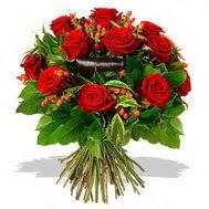 9 adet kirmizi gül ve kir çiçekleri  14 şubat sevgililer günü çiçek