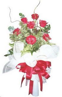 Kocaeli uluslararası çiçek gönderme  7 adet kirmizi gül buketi