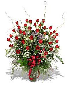 Kocaeli uluslararası çiçek gönderme  33 adet kirmizi gül vazo içerisinde