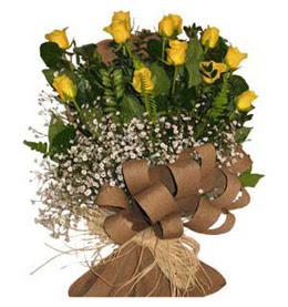 çiçek siparişi sitesi  9 adet sari gül buketi