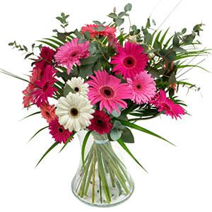 15 adet gerbera ve vazo çiçek tanzimi  Kocaeli çiçek servisi , çiçekçi adresleri