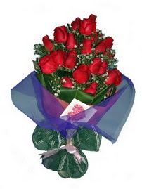 12 adet kirmizi gül buketi  Kocaeli çiçek servisi , çiçekçi adresleri