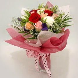 Karisik renklerde 11 adet gül buketi  Kocaeli internetten çiçek satışı