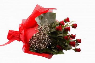 Kocaeli uluslararası çiçek gönderme  11 adet kirmizi gül buketi çiçekçi
