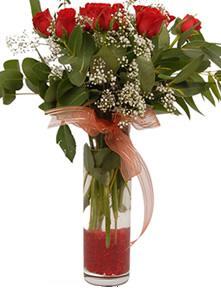 Kocaeli güvenli kaliteli hızlı çiçek  11 adet kirmizi gül vazo çiçegi