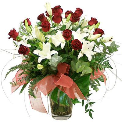 iste kaliteli ürünler vazosu çiçekleri