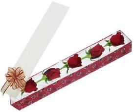 14 şubat sevgililer günü çiçek  kutu içerisinde 5 adet kirmizi gül