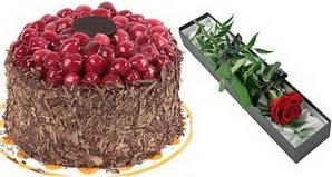 1 adet yas pasta ve 1 adet kutu gül  Kocaeli güvenli kaliteli hızlı çiçek