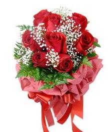 9 adet en kaliteli gülden kirmizi buket  Kocaeli çiçek gönderme sitemiz güvenlidir