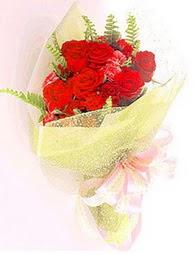 9 adet kirmizi gül buketi  Kocaeli çiçek mağazası , çiçekçi adresleri