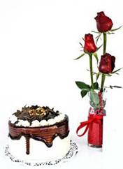 çiçek online çiçek siparişi  vazoda 3 adet kirmizi gül ve yaspasta