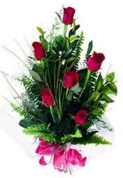 çiçekçi telefonları  5 adet kirmizi gül buketi hediye ürünü