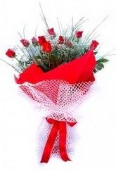 hediye çiçek yolla  9 adet kirmizi gül buketi demeti