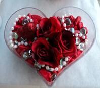 Kocaeli çiçek mağazası , çiçekçi adresleri  mika kalp içerisinde 3 adet gül ve taslar