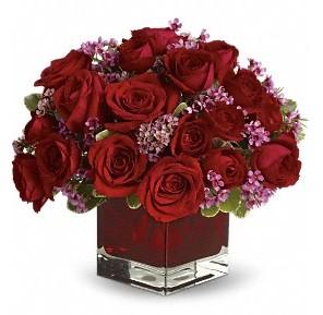 11 adet kırmızı gül vazosu  Kocaeli anneler günü çiçek yolla