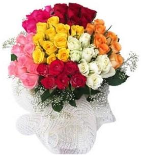 Kocaeli çiçekçiler  51 adet farklı renklerde gül buketi
