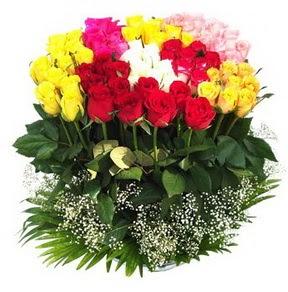 çiçek yolla  51 adet renkli güllerden aranjman tanzimi
