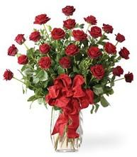 Sevgilime sıradışı hediye güller 24 gül  yurtiçi ve yurtdışı çiçek siparişi