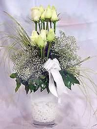 Kocaeli çiçek servisi , çiçekçi adresleri  9 adet vazoda beyaz gül - sevdiklerinize çiçek seçimi