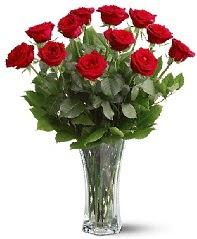 11 adet kırmızı gül vazoda  Kocaeli hediye sevgilime hediye çiçek
