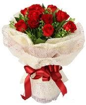 12 adet kırmızı gül buketi  Kocaeli online çiçekçi , çiçek siparişi