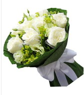9 adet beyaz gül buketi  Kocaeli uluslararası çiçek gönderme