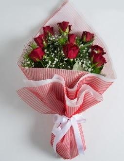 9 adet kırmızı gülden buket  Kocaeli internetten çiçek siparişi