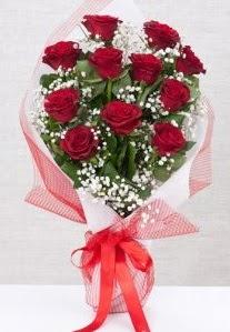 11 kırmızı gülden buket çiçeği  yurtiçi ve yurtdışı çiçek siparişi